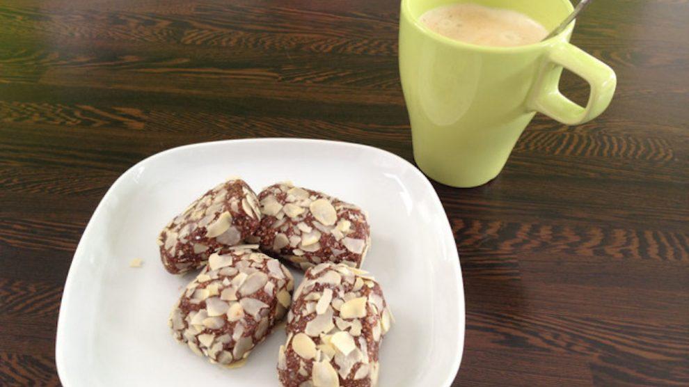 Recept na rýchle proteínové tyčinky ku raňajšej káve
